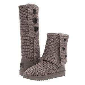 UGG Classic Cardy Sweater Button Grey Boots Sz 13